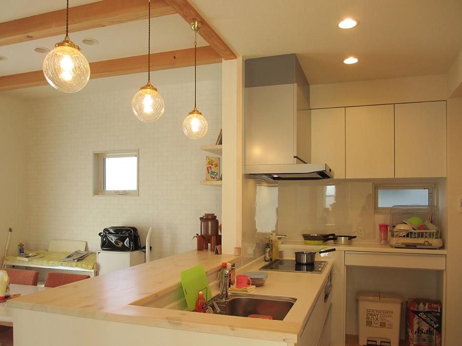 L字型の動線が使いやすいキッチン。