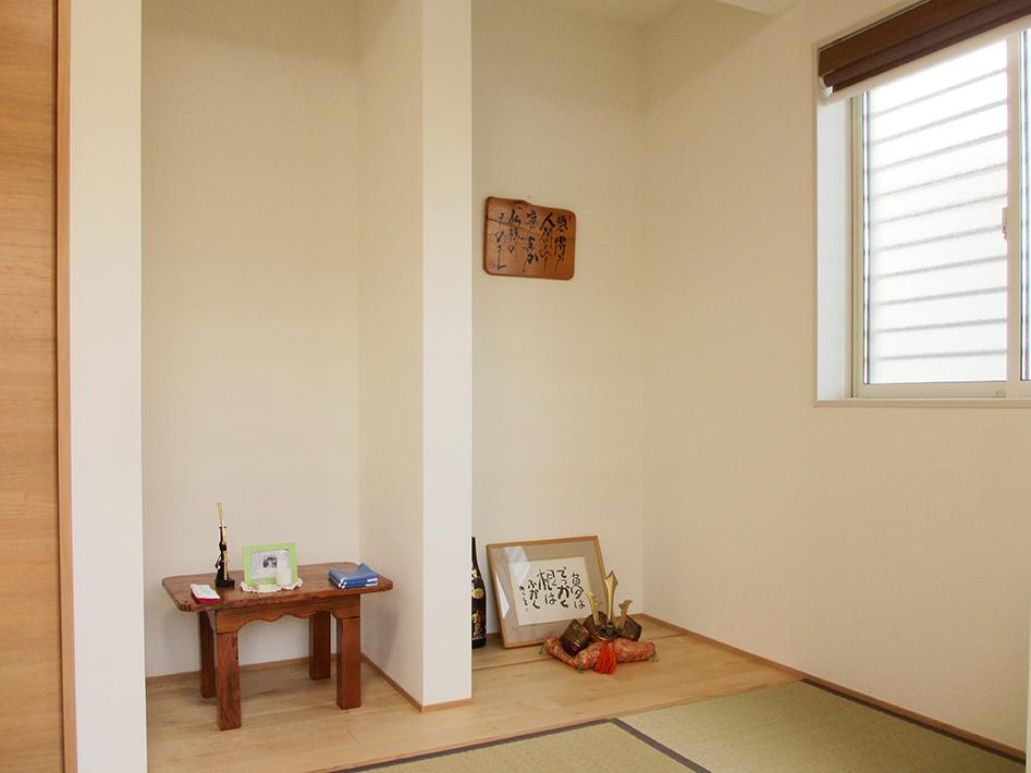和室には床の間、仏間、収納の3つを設けて。