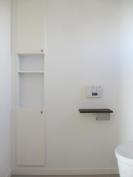 正工務店標準仕様のトイレ収納。