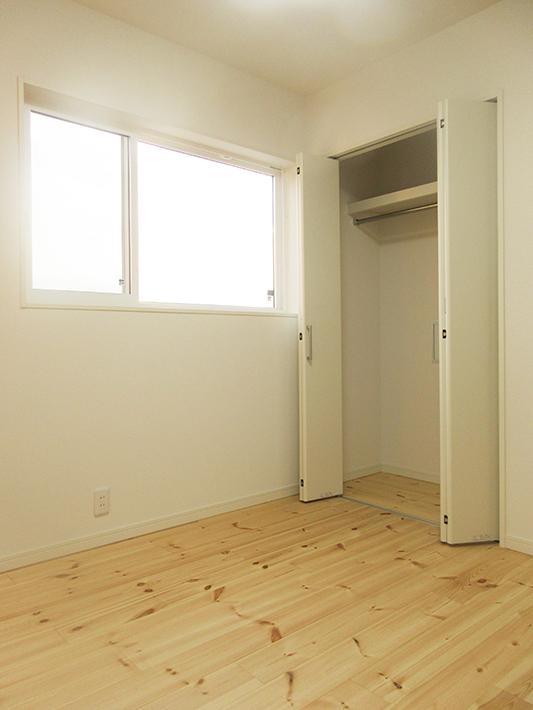 4.5畳の2階子供部屋はコンパクトでシンプルなつくり。