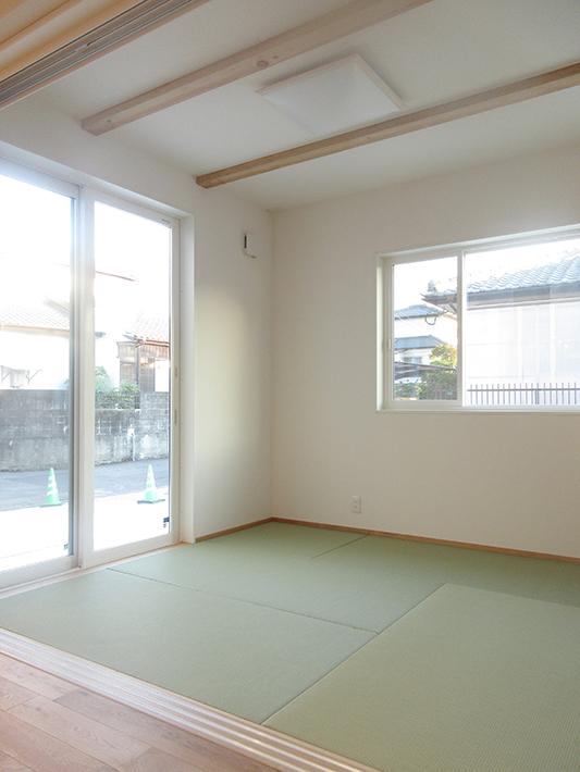 和室は日当たり一番の特等席。