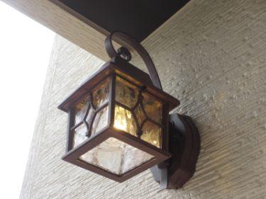 おすすめポイント① ナチュラルな照明とたっぷり収納