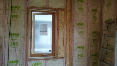 「人生二度目に建てる家」グラスウール施工