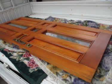 塗装で蘇る木製玄関ドア