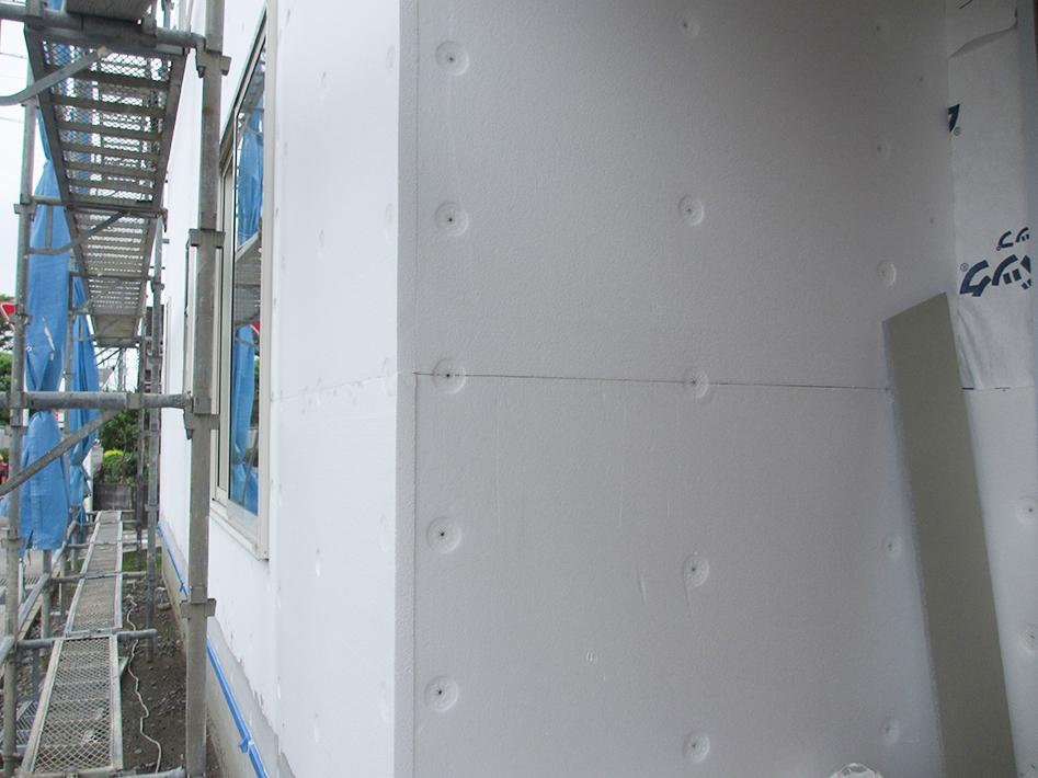外張り断熱EPS施工