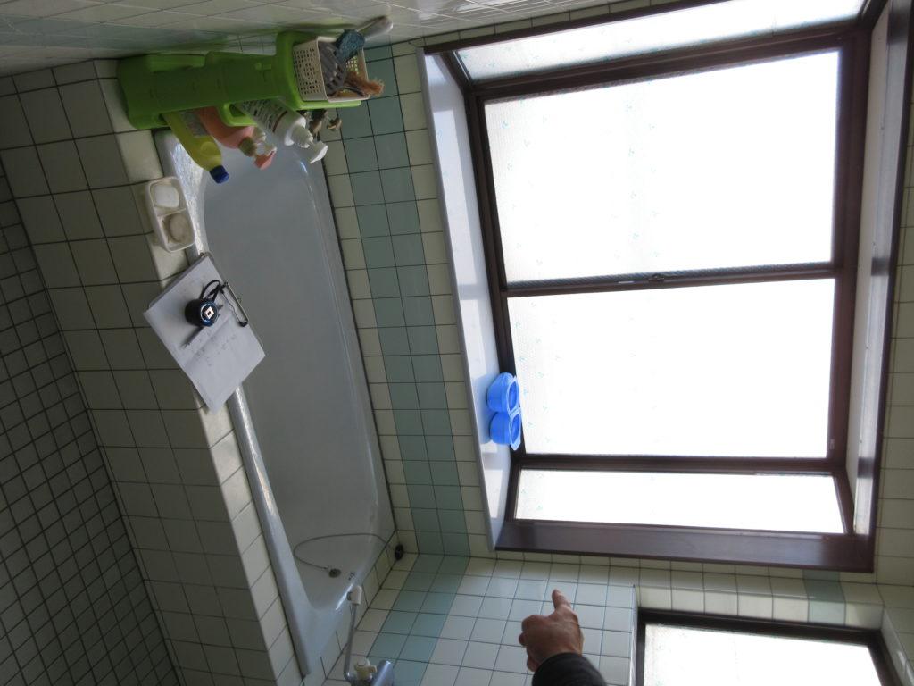 イル張りのお風呂を浴室リフォーム